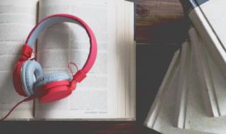Blog - Lektorzy audiobooków – kto i dlaczego czyta książki najlepiej według Virtualo?