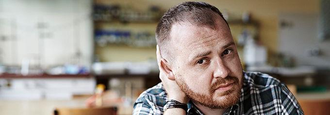 """Blog - baner - """"W trakcie pisania interesuje mnie sama historia"""" – wywiad z Wojciechem Chmielarzem"""